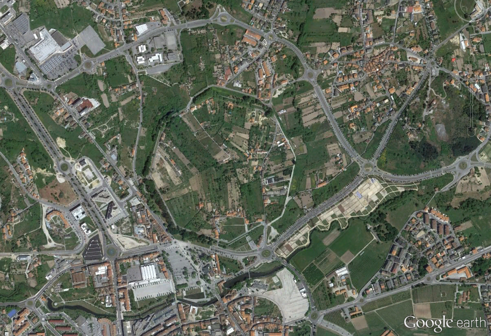 From fortress to military camp. Viseu in the times of the Moors.